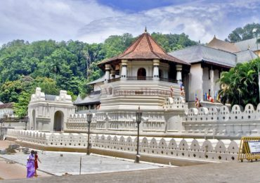 Храм Священного Зуба Будды в Шри-Ланке