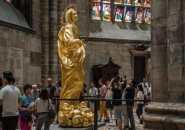 четырехметровая позолоченная бронзовая статуя Мадонны