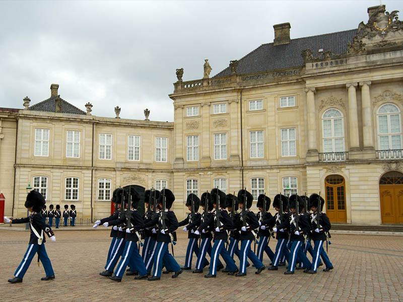 Достопримечательность Дании: королевский дворец