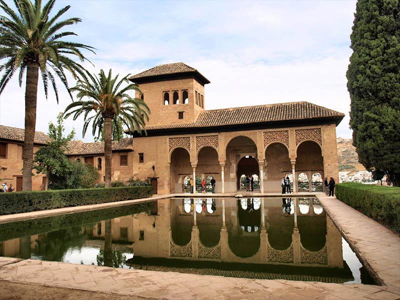 Чудо света Испании – Альгамбра